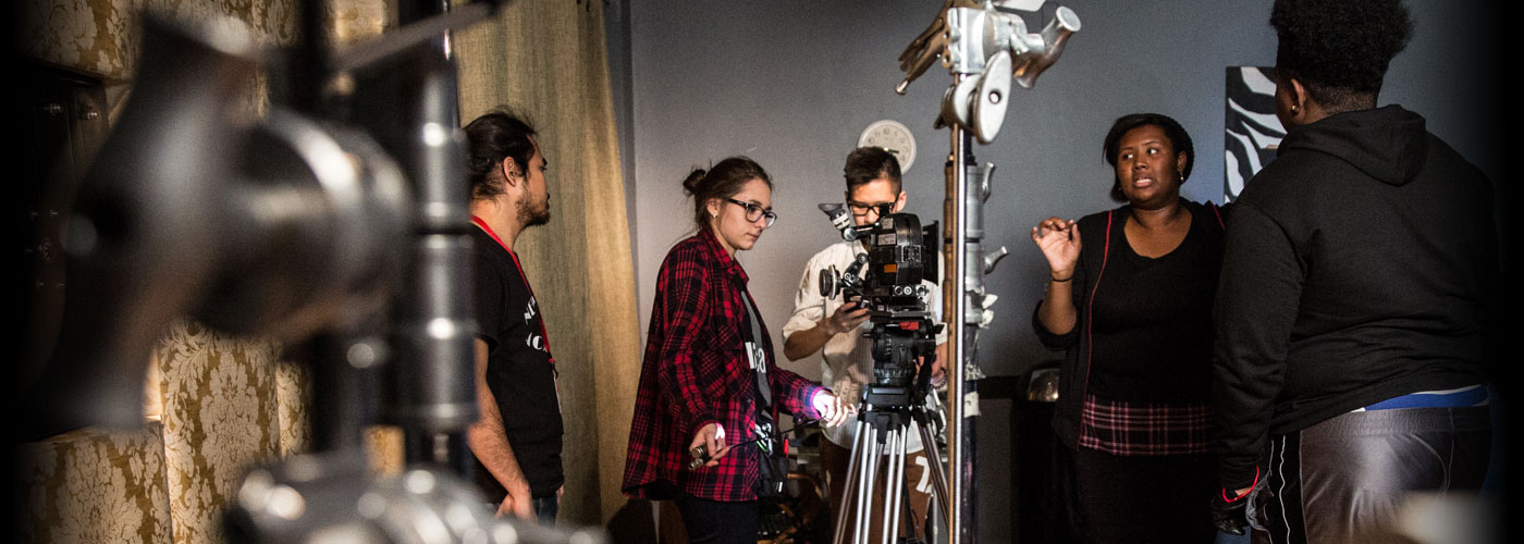 NYFA Miami students work on set together